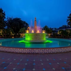 Electric Fountain at Beverly Gardens Park