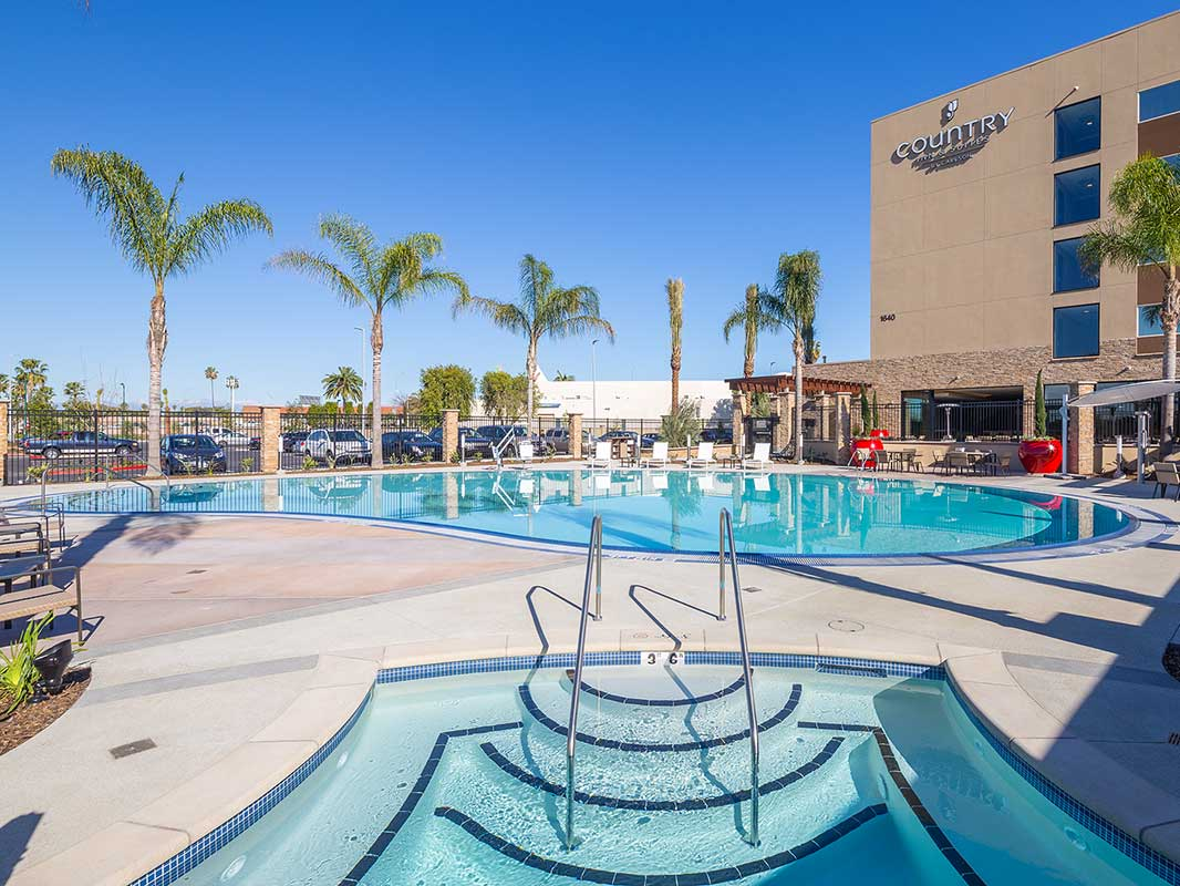 Country Inn & Suites: Anaheim CA - Pool close up