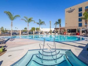 Country Inn & Suites in Anaheim New Pool and Spa
