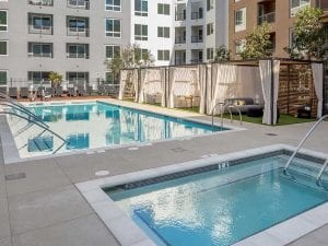 Apartment hot tub and pool in courtyard