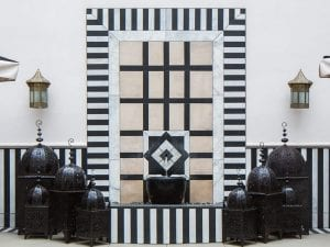 black and white wall water feature construction